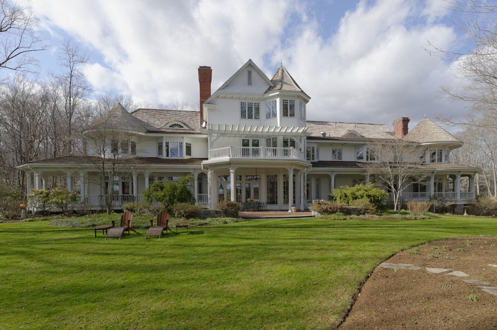 Ron howard listing greenwich ct home for sale for Connecticut home builders