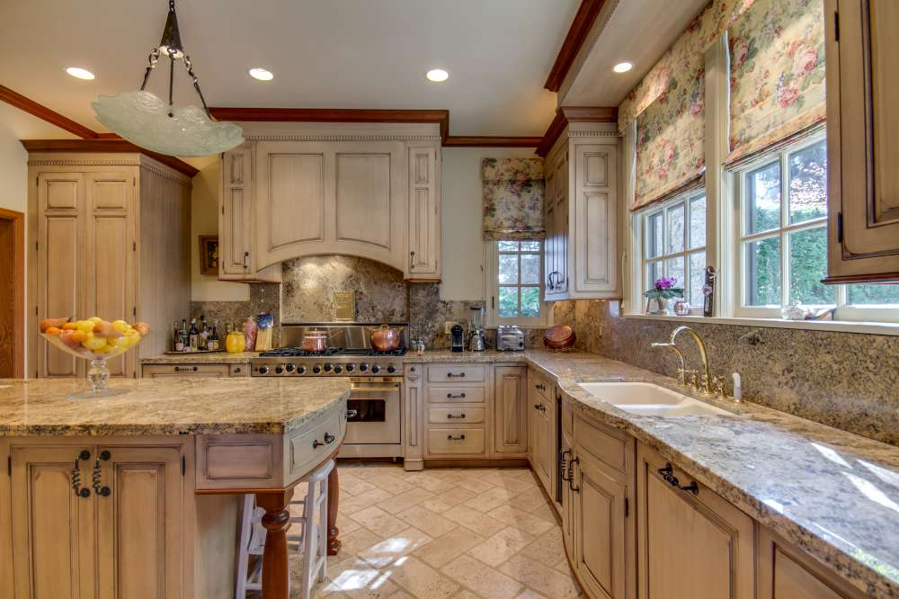 Home Of The Week Wenatchee S Craigmuir Castle Zillow