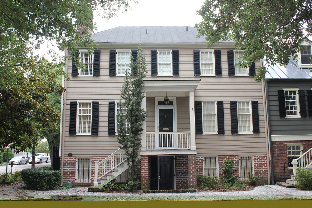 13 colonial style homes for sale in the 13 colonies for Three story house for sale