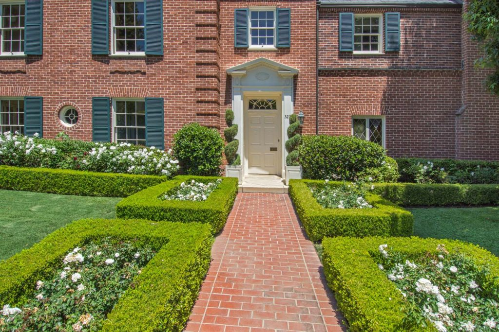 House of the Week: A Colonial Mansion in Posh Bel Air NYC Real Estate News image via Tigho