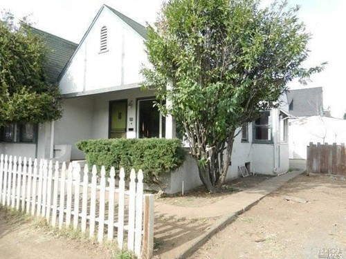 At $310,000, this 2-bedroom, 1-bath home is affordable in Napa.