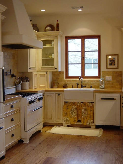 Interior designer Dotty Hopkins designed this kitchen in her riverfront home in Napa, CA.