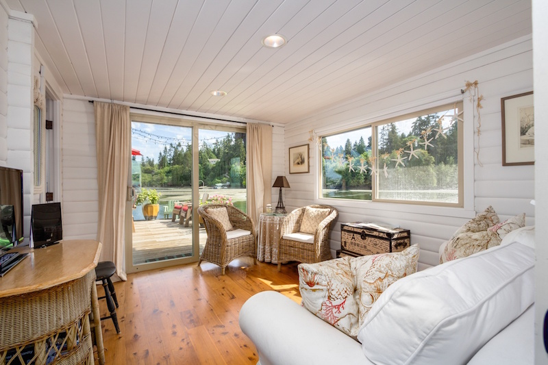 Teensy Waterfront Homes For Sale Zillow Porchlight