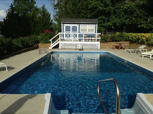 Where can you buy a house pool for 100 000 zillow for Homes for sale in illinois with indoor pool