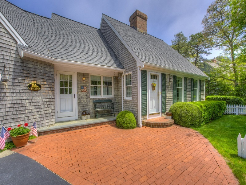 Home architecture 101 cape cod for Cape cod home additions
