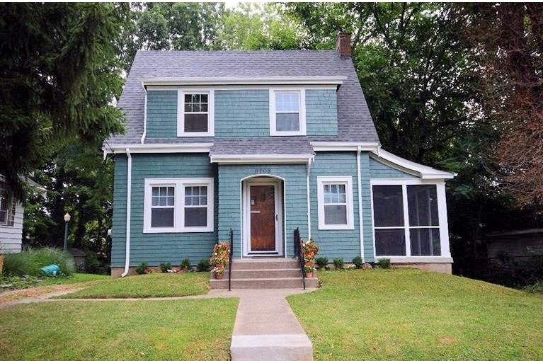 Homes On The Market For 100 000 Zillow Porchlight