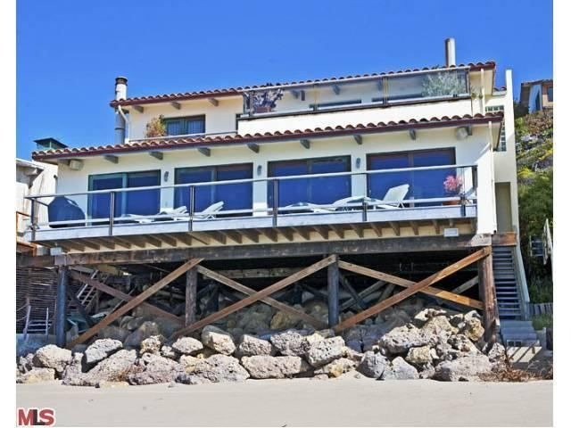 Cindy crawford lists malibu home for rent zillow porchlight for Malibu house for rent