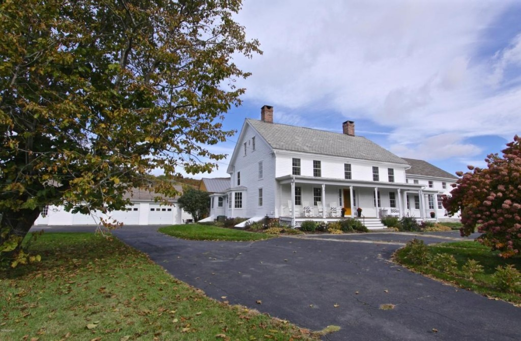House of the week a colonial farmhouse that predates the for Country farmhouse blog