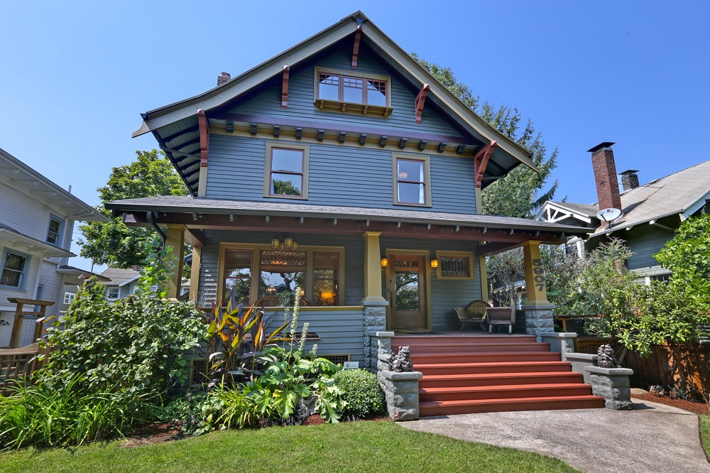 Popular architectural styles of the past century zillow for Craftsman style architects