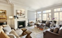 Drew Barrymore's living room 2