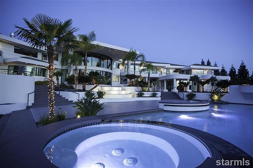 Eddie murphy s former spread hits market near sacramento for Les plus belles villas du monde