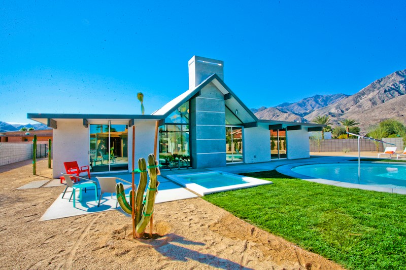 Mid century modern mania in the california desert zillow for Modern house zillow