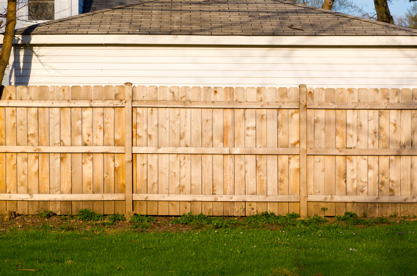 Pictures Of Houses With Stockade Fences 63