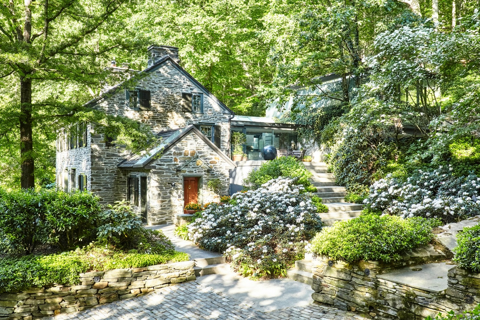 House of the week a mill workers 39 home turned modern for Modern house zillow