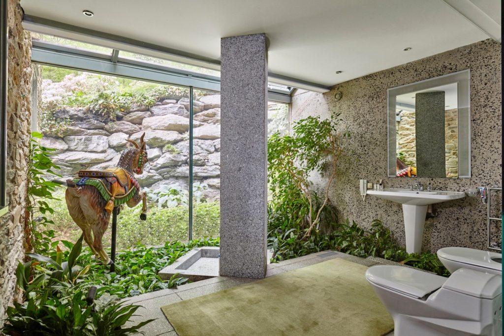Fernside Cottage bathroom2