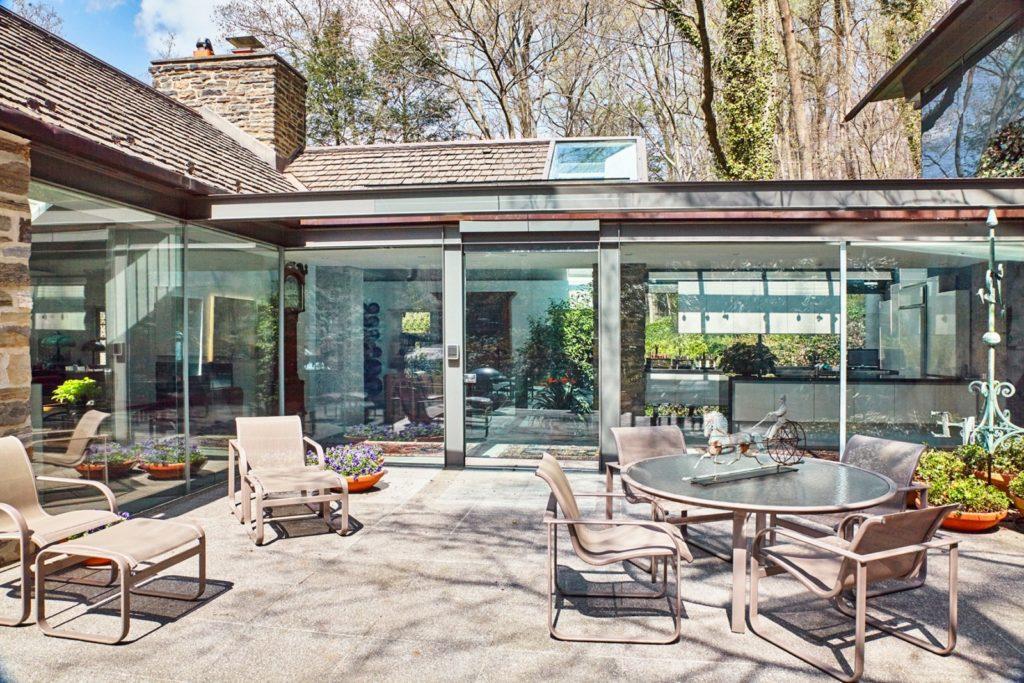 Fernside Cottage patio