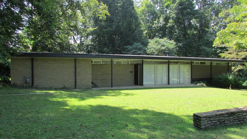 10 Mid Century Modern Listings Just In Time For Mad Men