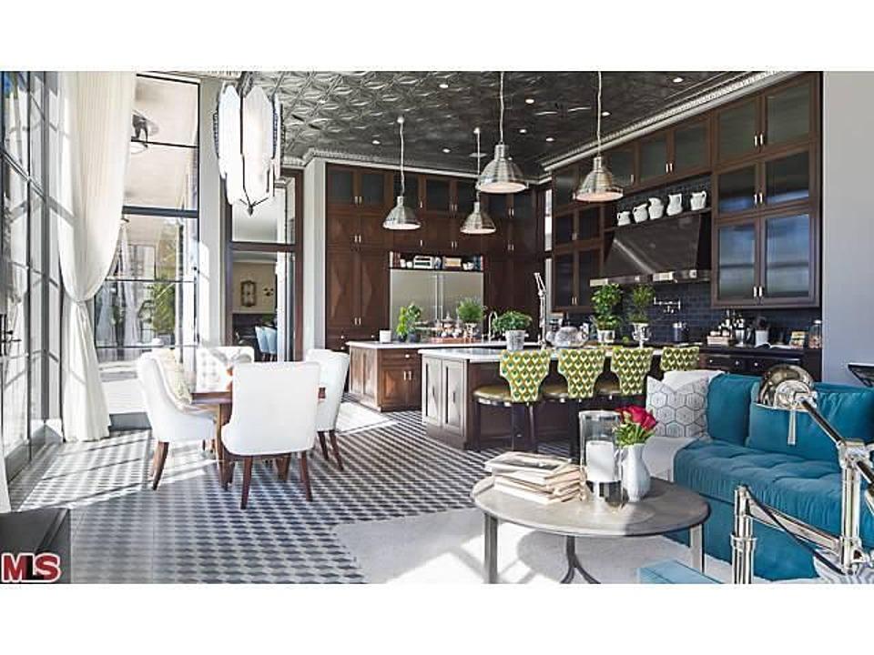 jeremy renner lists art deco mansion for million. Black Bedroom Furniture Sets. Home Design Ideas