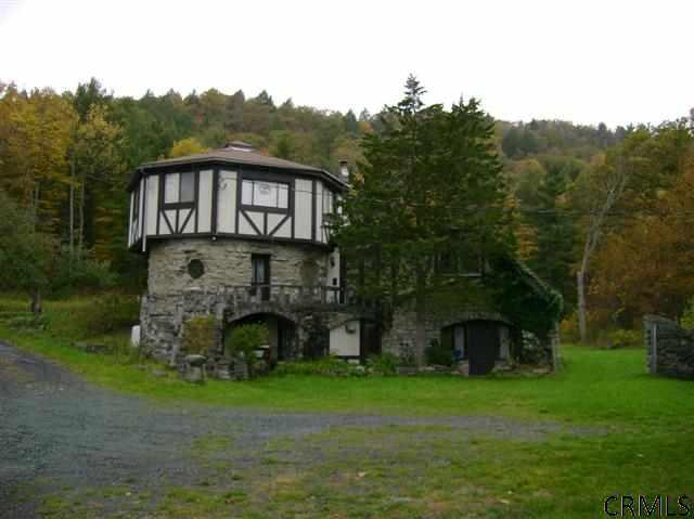 House of the week castle ruins for sale in upstate new for Abandoned mansions in new york for sale