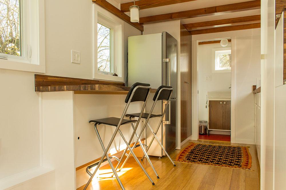 Hikari-Box-Tiny-House-Kitchen-Seating