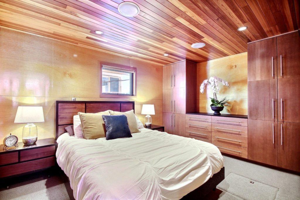 Houseboat12