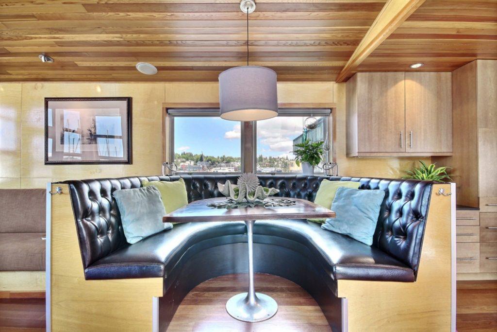 Houseboat5