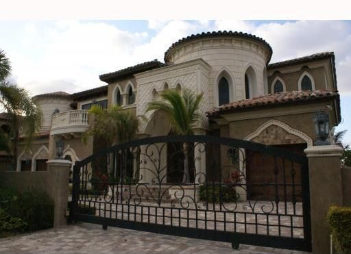 Report says plaxico burress set to take big cut for for Big houses in florida