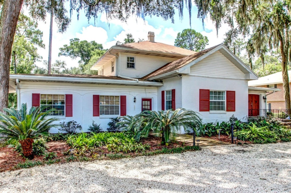Homes on the market for 450 000 zillow porchlight for Classic american homes jacksonville fl