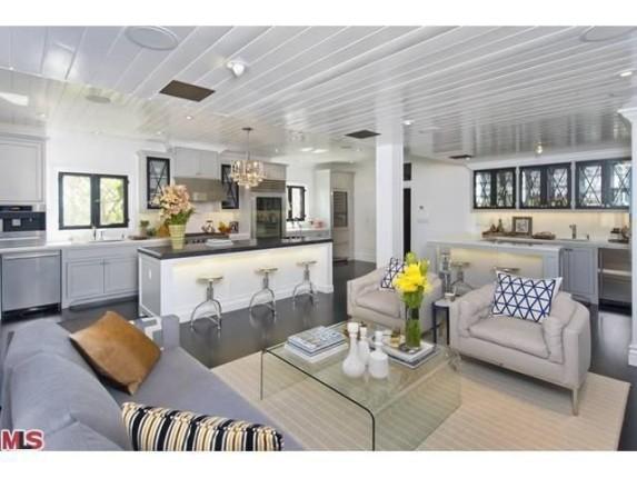 flipping out designer jeff lewis lists los feliz home. Black Bedroom Furniture Sets. Home Design Ideas