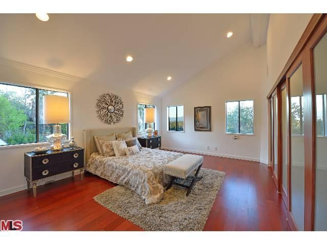 Nickelodeon S Jennette Mccurdy Buys In Studio City