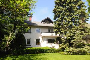 John Cusack's home
