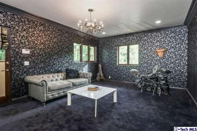Miley Cyrus Childhood Home Hits The Market For 5 995m