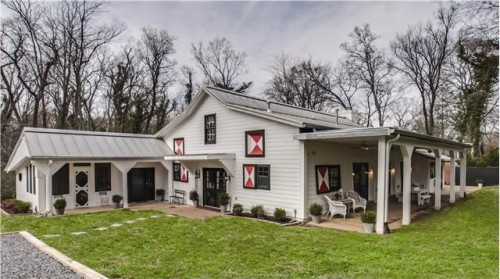 For Sale Barn Homes Mixing Old Amp New Zillow Porchlight
