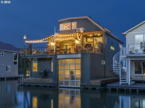 Floating homes for every budget zillow porchlight for Floating homes portland