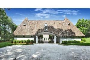 Pyramid house driveway