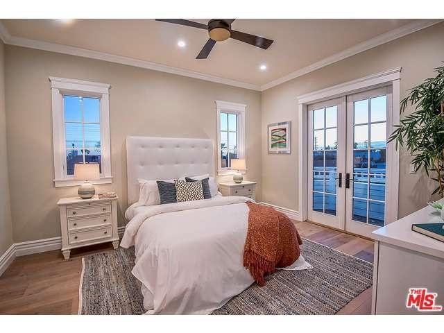 Rebel Wilson's bedroom
