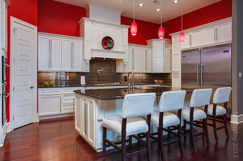 Red walls - kitchen