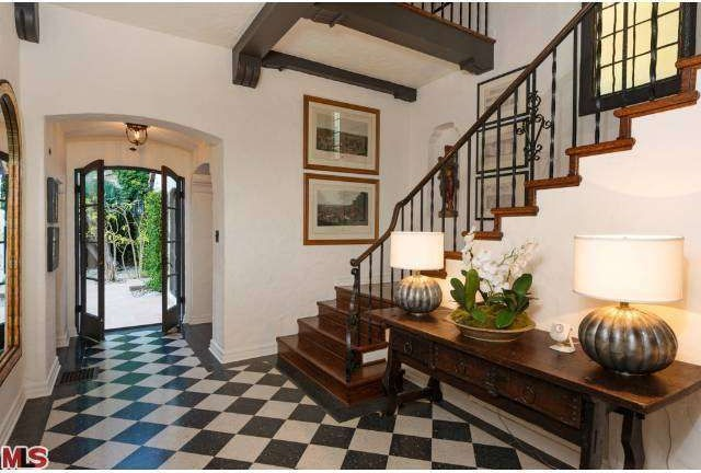 Robert Pattinson Sells Los Feliz Home Zillow Porchlight