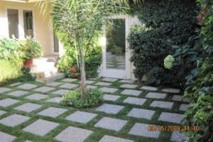 Ryan Reynolds' courtyard