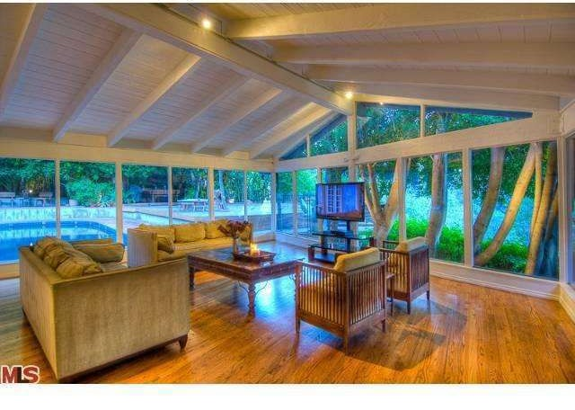 Salma Hayek Lists Hollywood Hills Home For Rent Zillow