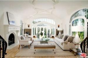 Sia's living room