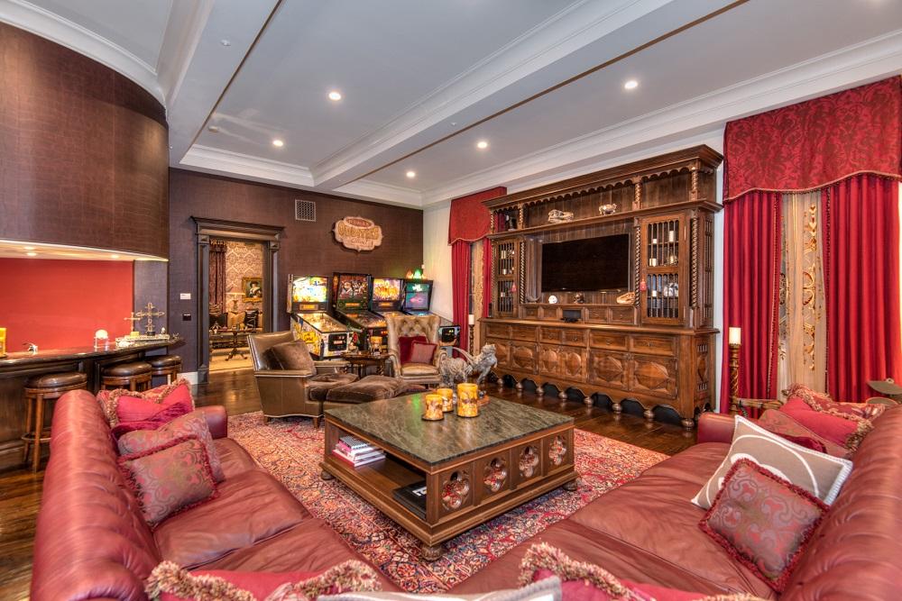 Slash Slept Here Rocker Chic Italian Villa In Beverly