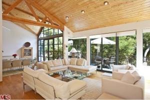 Steven Hilton's living room