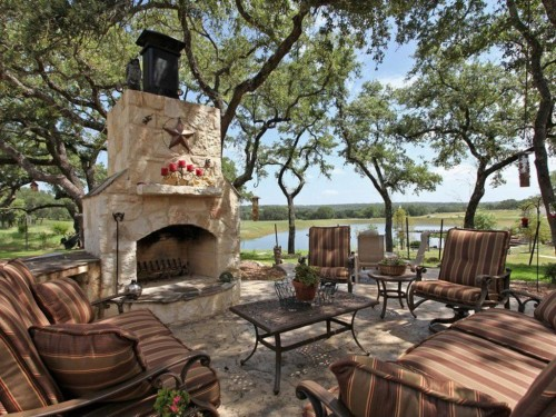 Summer Trends 2013 - outdoor space courtesy of Zillow Digs