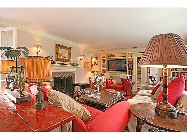 Goin Hollywood Country Girl Taylor Swift Buys Beverly