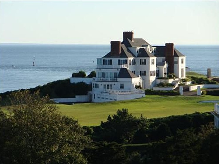 Swift bought this home in April 2013.