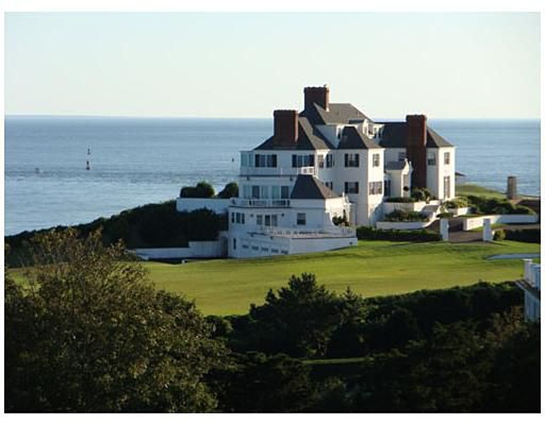 Report Taylor Swift Buys Oceanfront Manse In Rhode Island