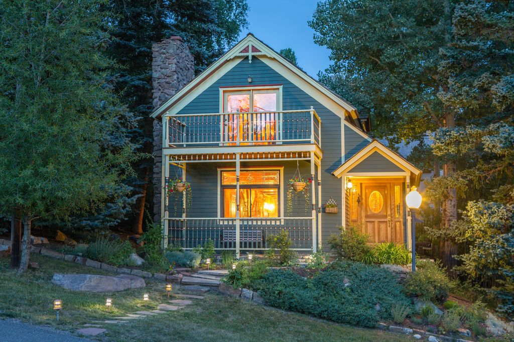 Homes for sale in hot celebrity neighborhoods bruce for Telluride houses for sale