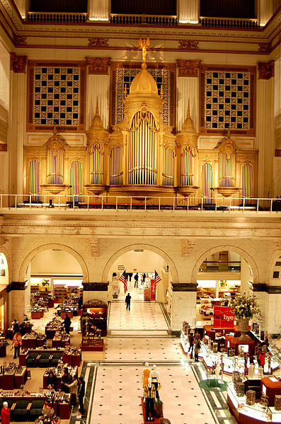 The Grand Court showcases the Wanamaker Organ and Macy's department store below. Source: Wikipedia Commons
