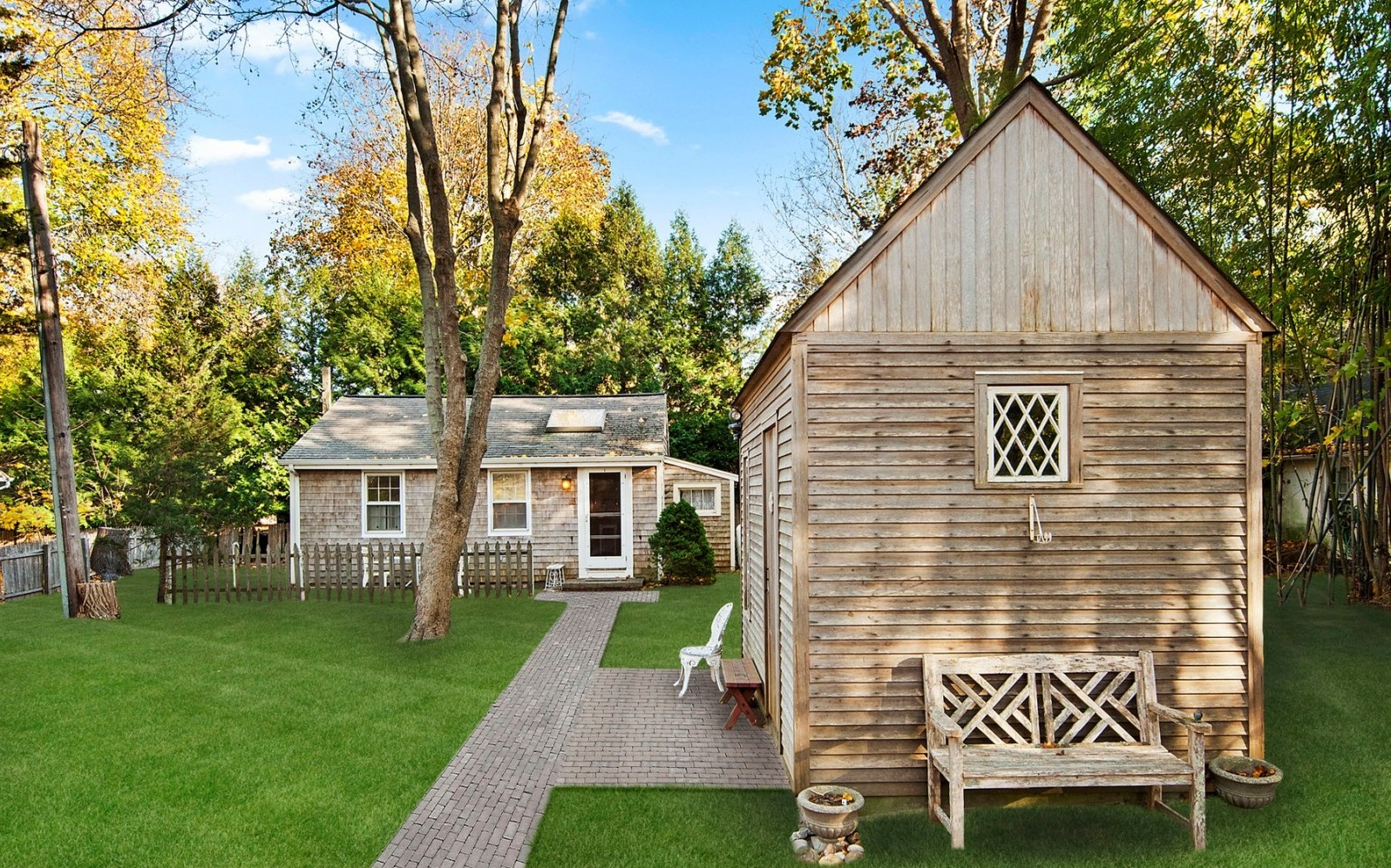 A tiny home for kicking back in the hamptons zillow for Home design zillow
